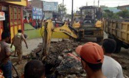 Proyek Normalisasi Saluran Dreanse Jalan Merdek Tanjung Tiram 1,5 M Dikerjakan
