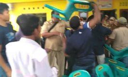 Massa Obrak Abrik Kantor Desa karena Kecewa dengan Sosialisasi Ganti Rugi Lahan