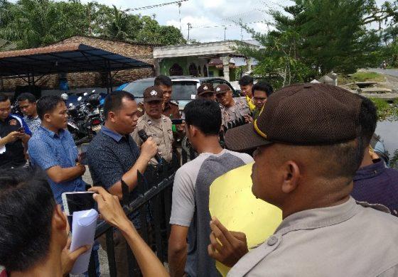 Demo Kejari Batubara, Mahasiswa Tuntut Kasus Dugaan Ijazah Palsu Kades Lubuk Hulu